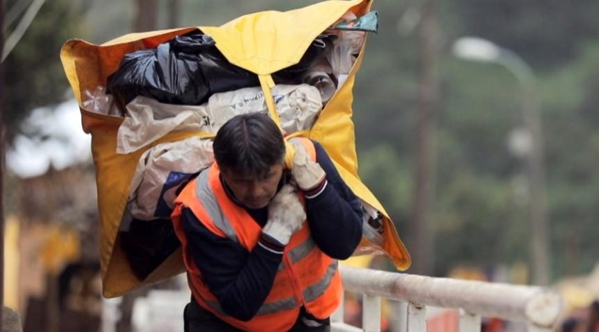 """Jorge Sharp y reportaje del Mega sobre trabajadores del aseo: """"Espero que haya servido para que los porteños y porteñas entiendan y valoren el tremendo trabajo querealizan"""""""
