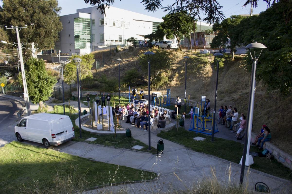Municipio porteño inaugura 4 nuevas plazas en Valparaíso