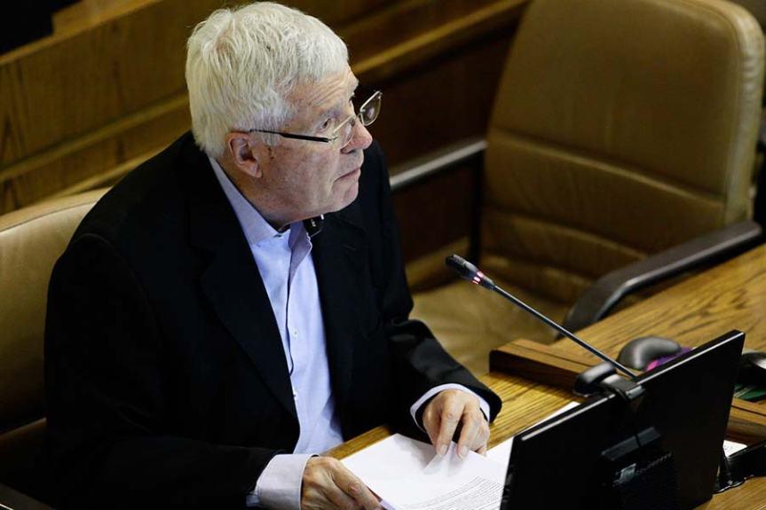 """Presidente de Comisión Regionalista de la Cámara: """"Vuelven a reiterarse las cocinas para faenarse el proceso de elección de gobernadores"""""""