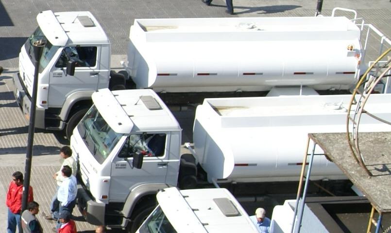 Aseo de calles de Valparaíso será complementado con lavado nocturno con camiónaljibe