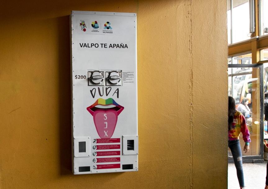 Valparaíso ya cuenta con el primer dispensador de condones en elRodoviario