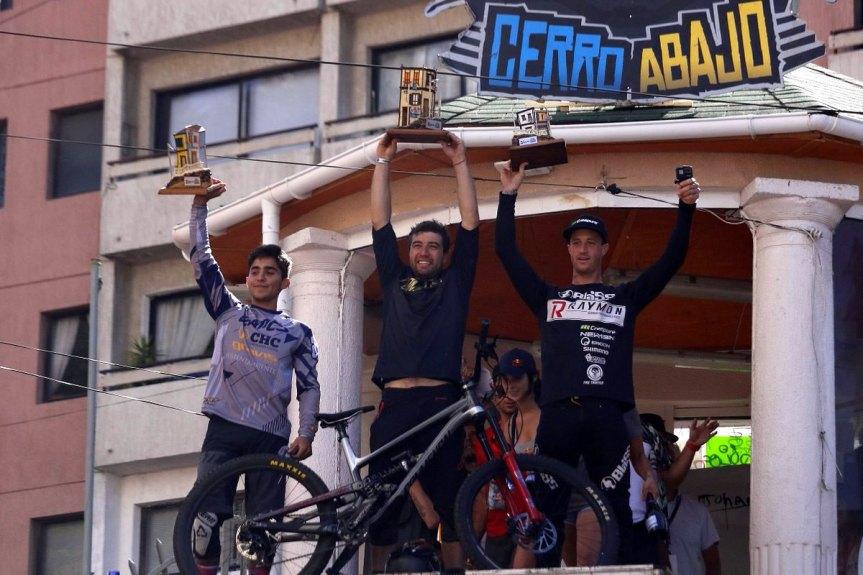 [VIDEO] La carrera del campeón: chileno Pedro Ferreira gana el Red Bull Valparaíso CerroAbajo