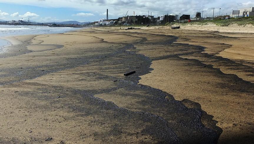 Piden investigar posible manto de protección a Puerto Ventanas por contaminación en bahía deQuintero