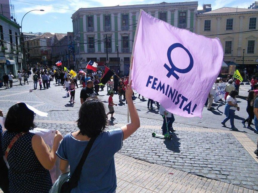 La influencia en Chile de la mujer porteña: 130 años dehistoria
