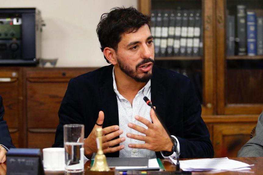 Diputado Jorge Brito asume presidencia de Comisión de Defensa de laCámara