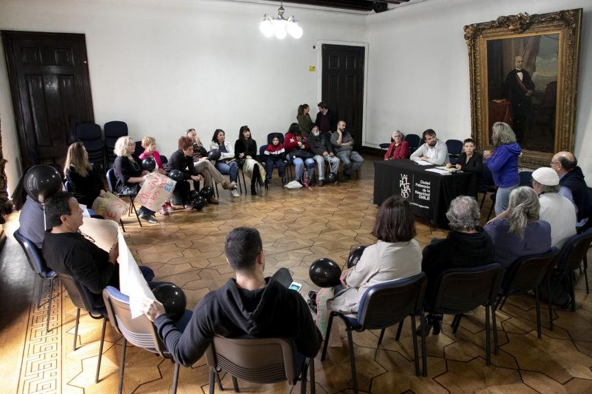 Vecinos del cerro Concepción definen con alcalde Sharp medidas vinculadas al futuroascensor