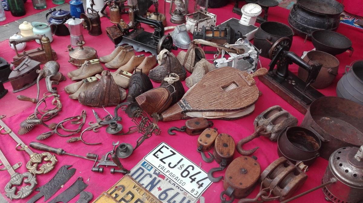 Feria de Antigüedades La Merced de Valparaíso se reinventa a 40 años de su nacimiento