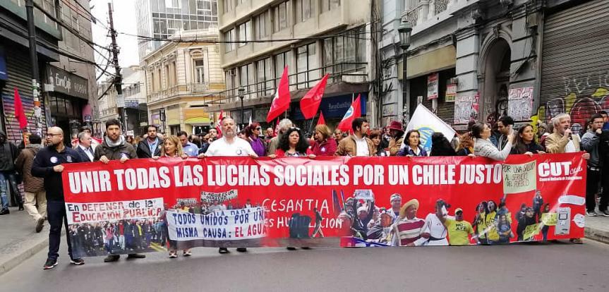 [FOTOS] Marcha convocada por la CUT enValparaíso