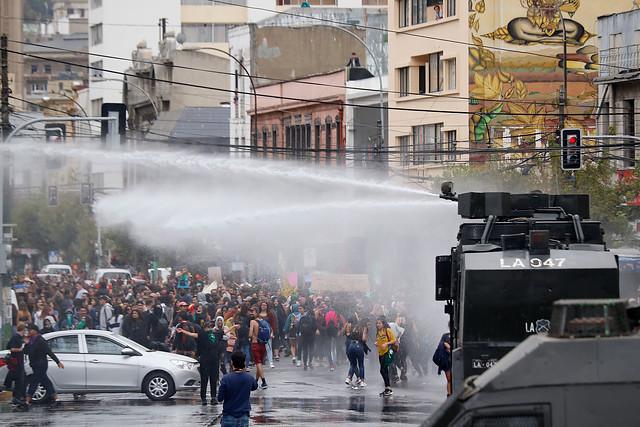 """Frente Amplio: """"Exigimos que Gobierno deje de usar a FFEE de Carabineros como agentes de su agenda política reaccionaria yfascista"""""""