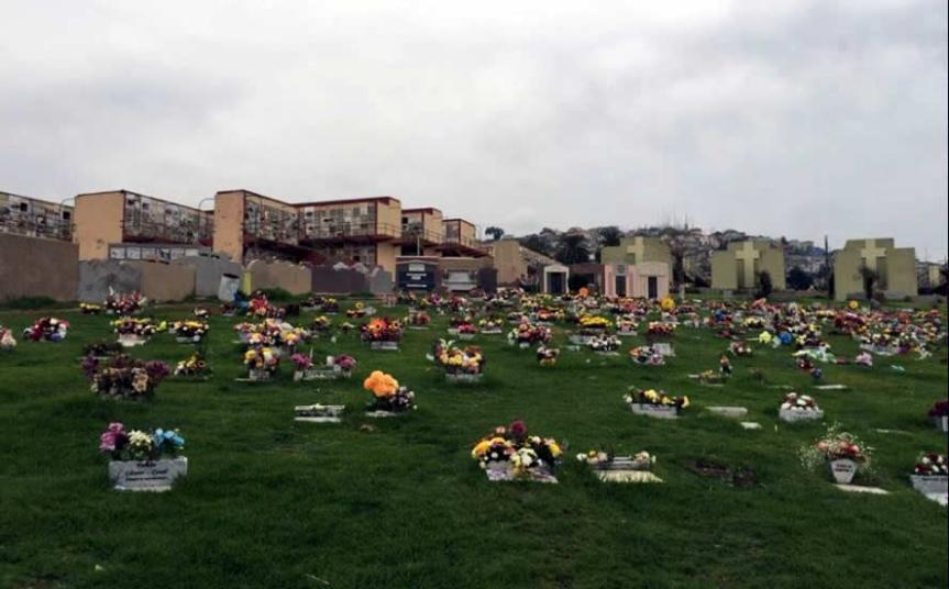 Continúan reuniones entre Corporación Municipal y familias afectadas por prohibición de sepultación en Cementerio Parque PlayaAncha
