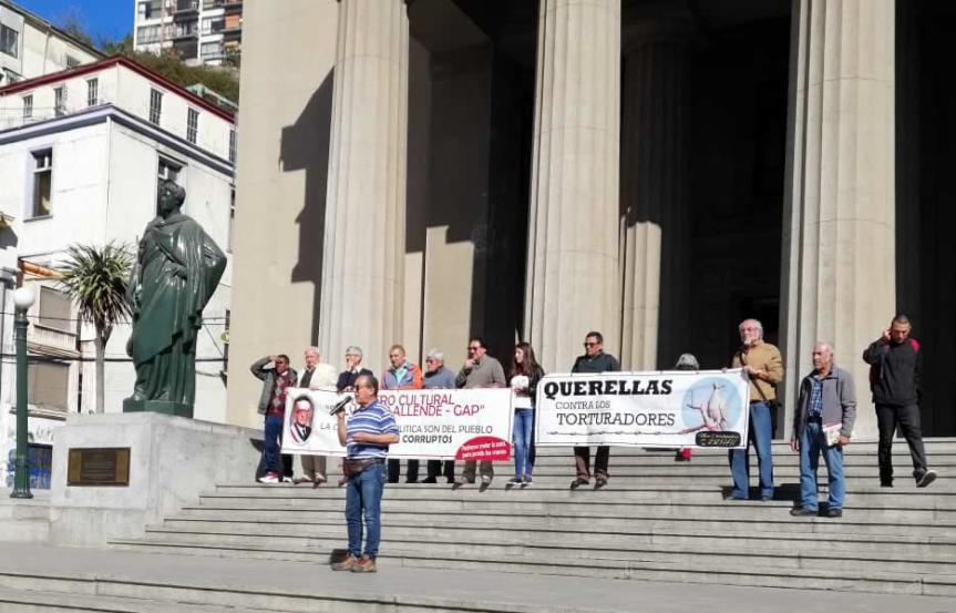 Ex presos políticos detenidos por la Armada de Chile en 1973 presentan nuevas querellas por torturas ysecuestros