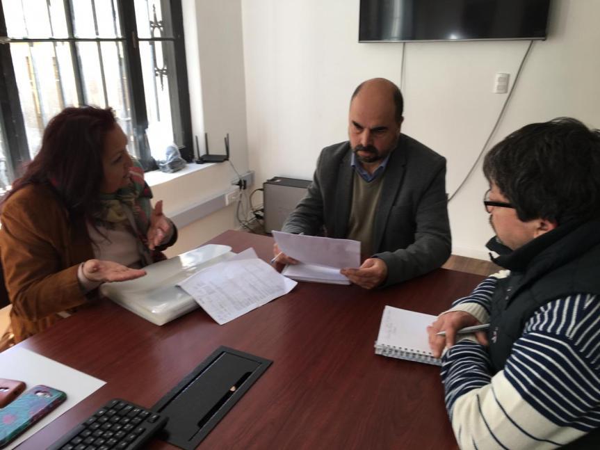 Corporación Municipal de Valparaíso se reúne con deudos del Cementerio Parque de PlayaAncha