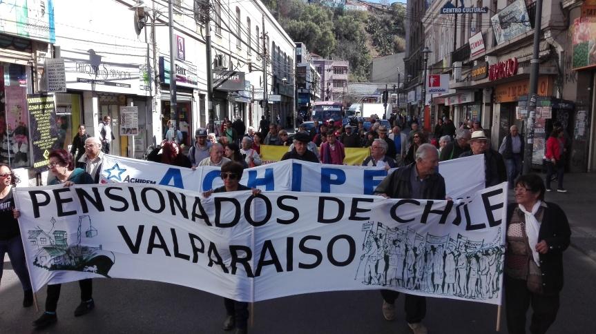 [FOTOS] Segunda marcha y concentración por la dignidad de los adultos mayores enValparaíso