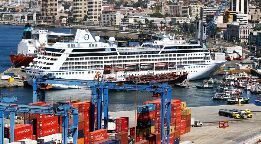 Ministra de Transporte acepta invitación de bloque transversal por muelle decruceros