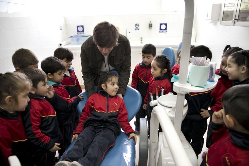 Niñas y niños de Valparaíso serán atendidos de forma gratuita en odontología en Cesfam deRodelillo