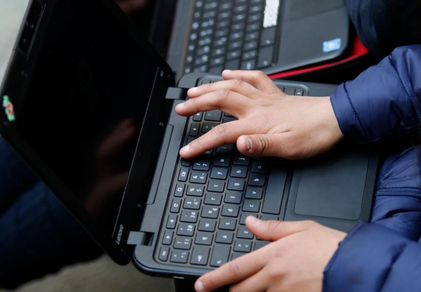 """Senador Kenneth Pugh: """"Aprender los lenguajes digitales es fundamental para el futuro de nuestropaís"""""""