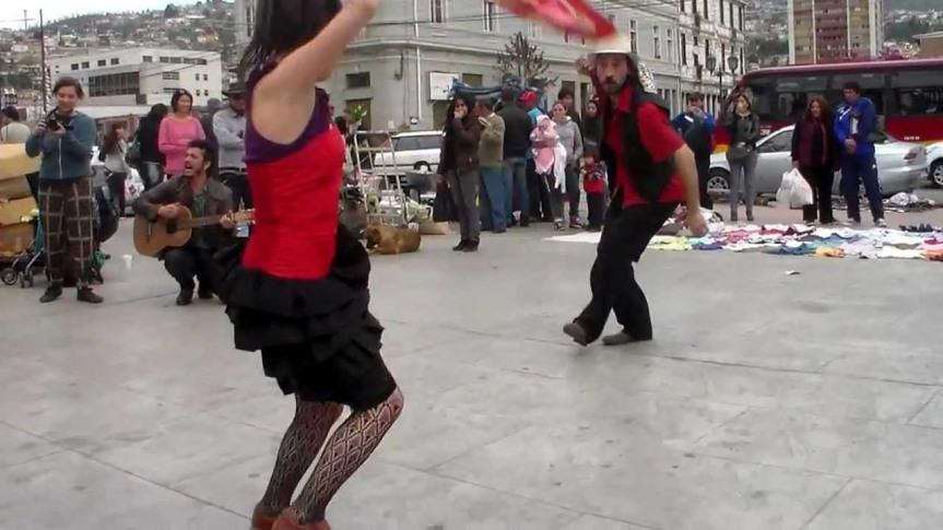 Valparaíso baila 40 cuecas por las 40horas