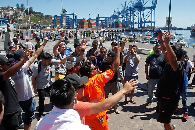 Unión Portuaria de Chile anuncia paro nacional ante crisis social en elpaís
