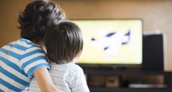 kids-watching-tv-e1585346580247